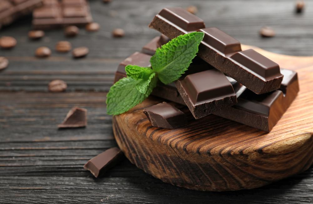 barra de chocolate preto amargo