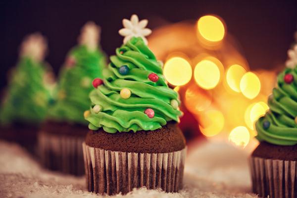 cupcake natalino decorado com árvore de natal