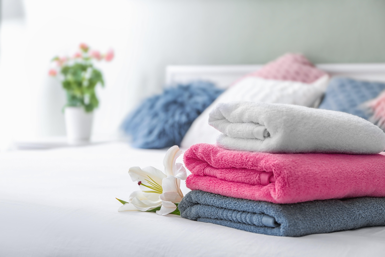 5 dicas de como lavar toalha e roupa de cama que você precisa ler