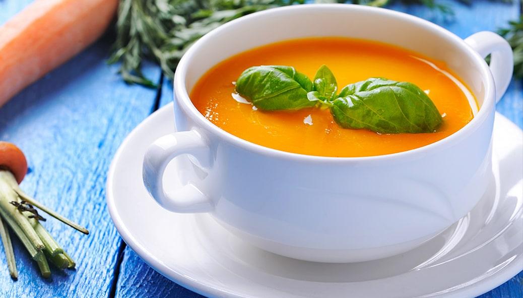 Caldo de Cenoura ao Pesto