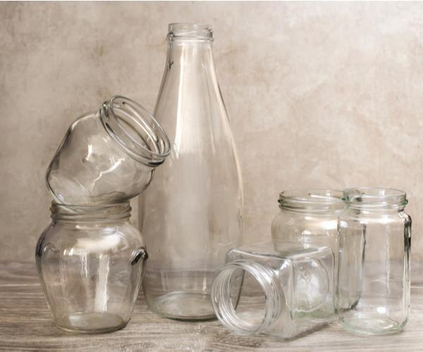 Faça você mesmo: 8 maneiras criativas de reutilizar potes de vidro